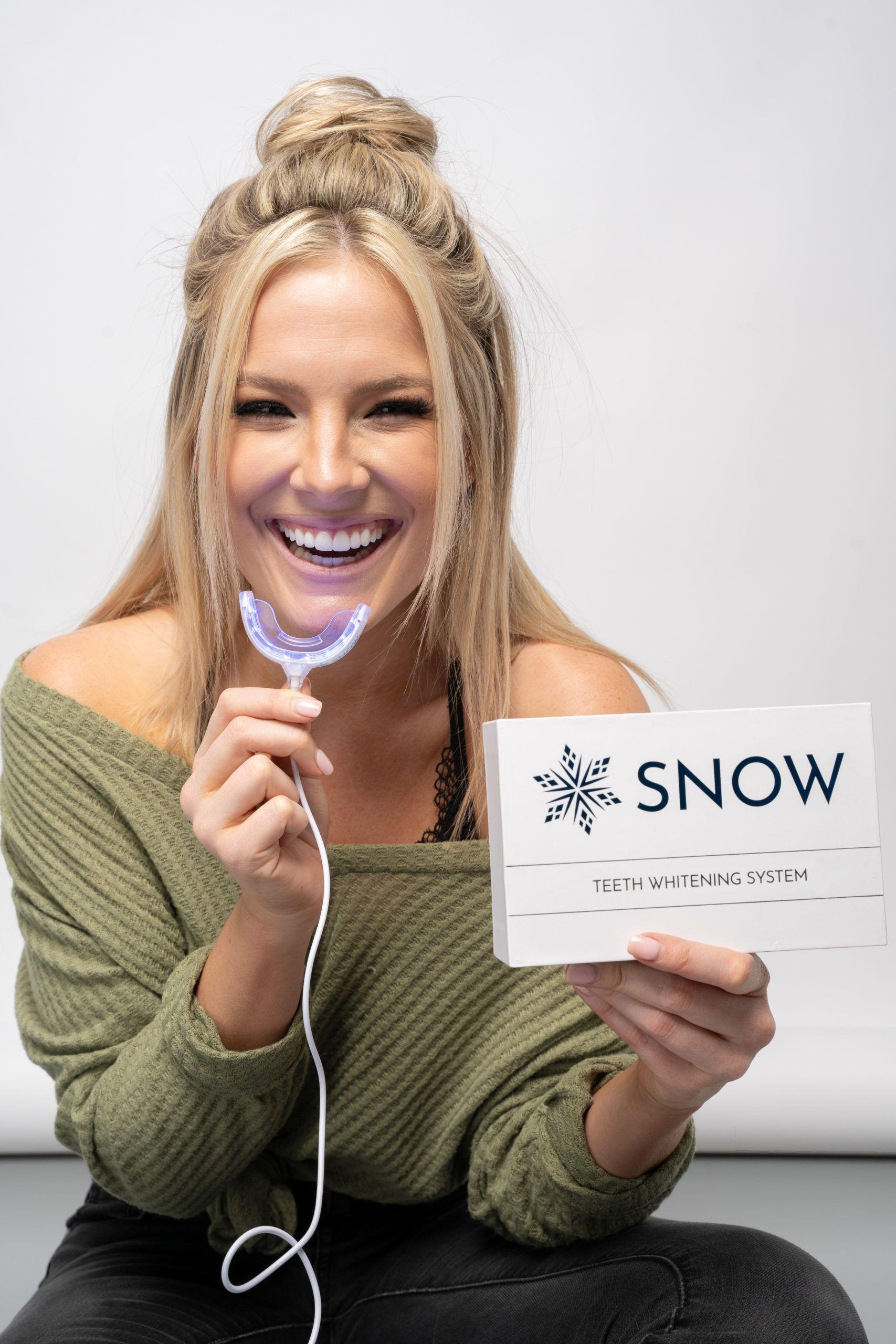 woman-smiling-snowteeth